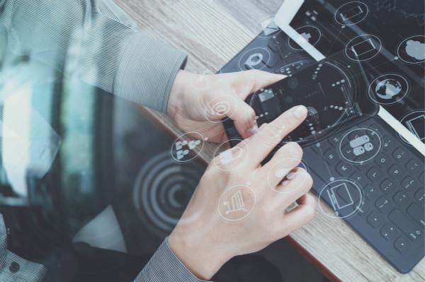 探索对话式AI及其技术组件的能力