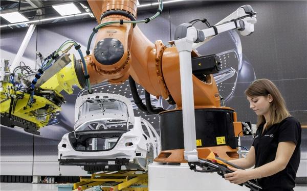 清华教授李稻葵:人工智能势必在不久的将来,取代一大批人的工作